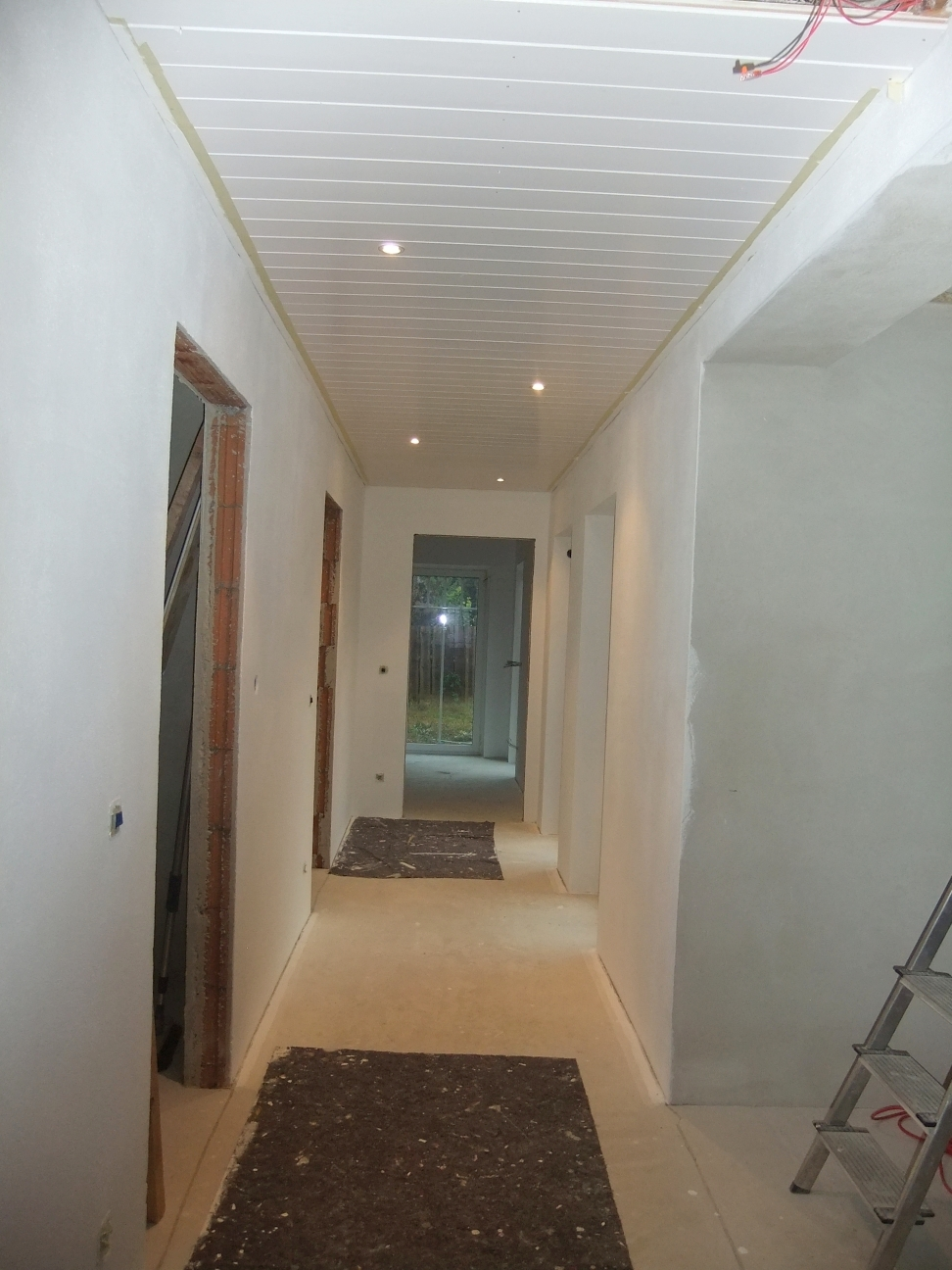 manu s white love unser flur nimmt gestalt an. Black Bedroom Furniture Sets. Home Design Ideas