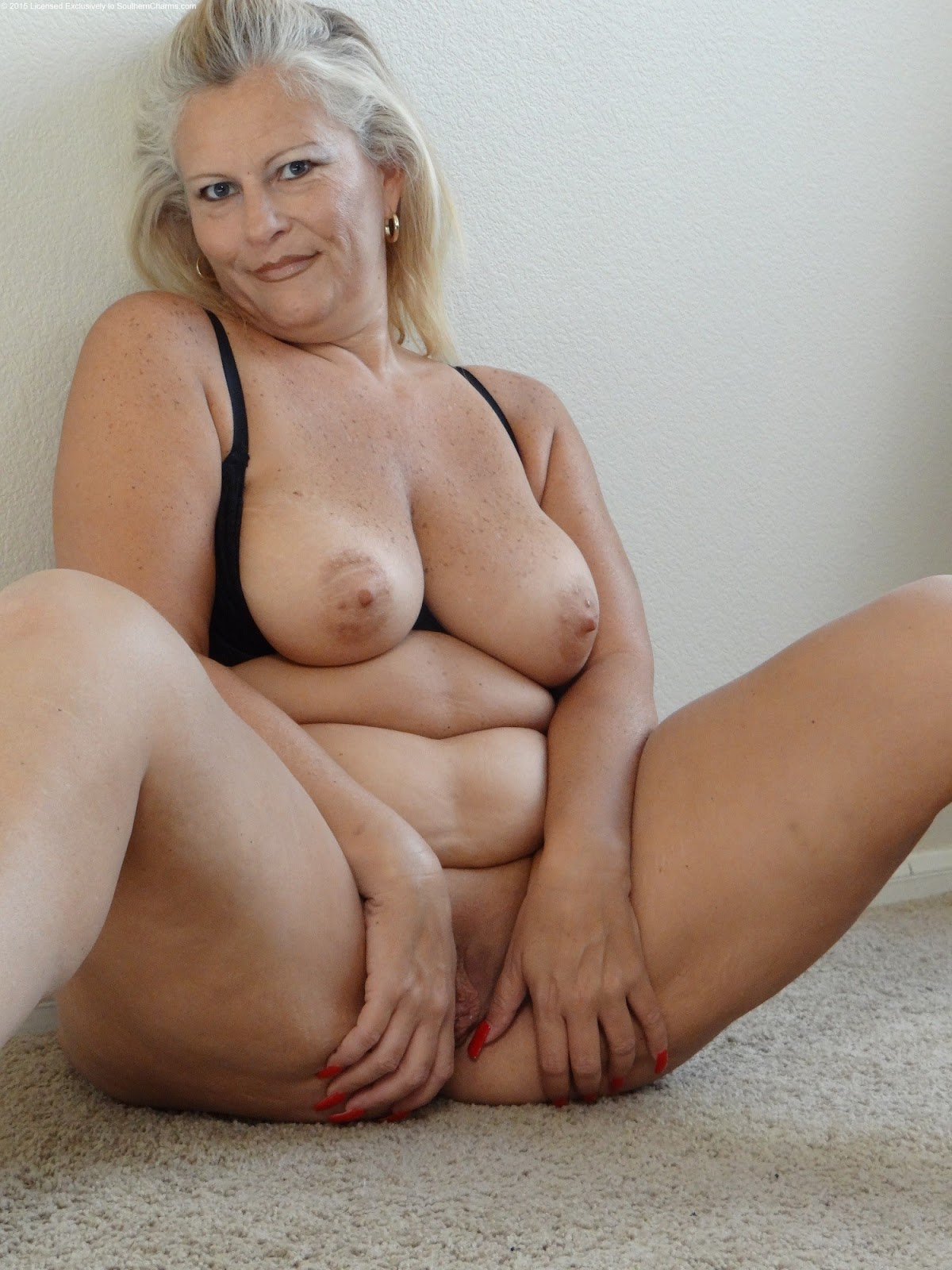 Naked older women clips