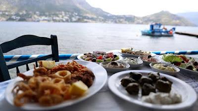 Έρευνα: Όσοι τρώνε συγκεντρωμένοι, χάνουν βάρος (χωρίς καμία δίαιτα!)