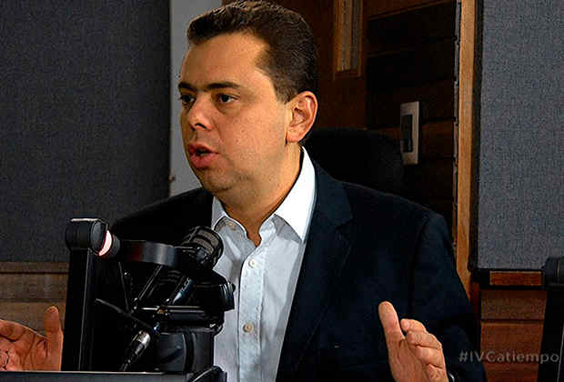 Antonio Ecarri: Maestros venezolanos son los profesionales peores pagados de América Latina