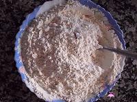 Harina con levadura mezclados