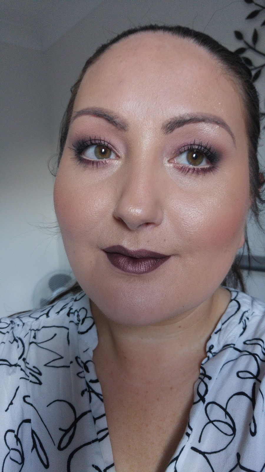 Blogger Of A Makeup Addict: FAKE Kylie Jenner Metallic
