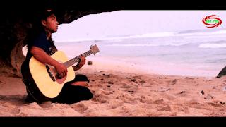 Lirik Lagu Nyanyian Pantai - Ras Mountain