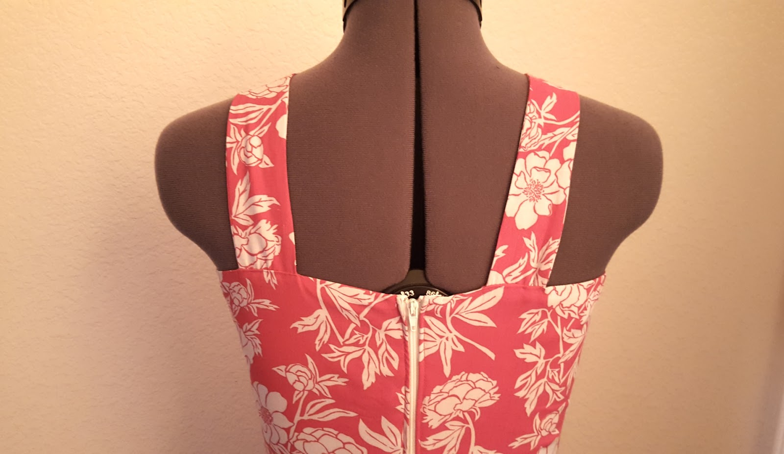 Sewing lonsdale dress with modified back straps instead of bow