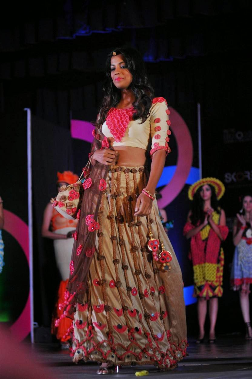 Actress Mugdha Godse Latest Cute Hot Navel Show Spicy Photos Gallery for Ramp Walk At Fashion Show