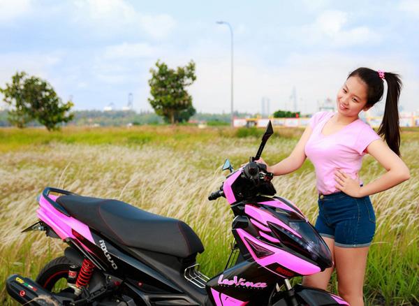 Nouvo SX sơn phối màu hồng đen nữ tính