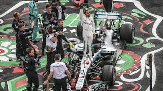 FÓRMULA 1 - Lewis Hamilton se erige como una nueva leyenda del automovilismo convirtiéndose en pentacampeón del mundo, igualando al mismísimo Fangio