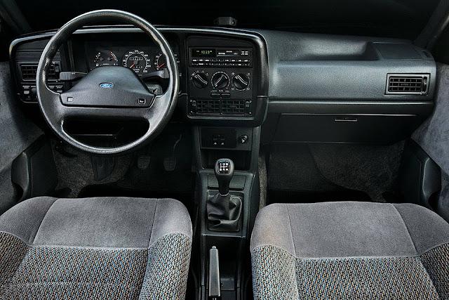 Ford Versailles Ghia 1996