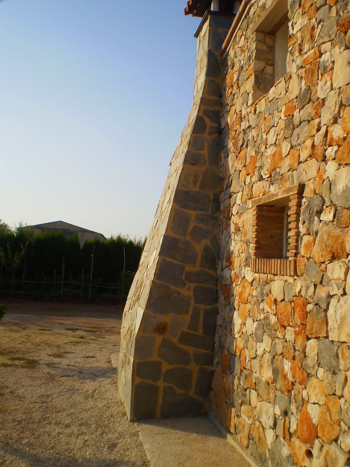 Chimenea con piedra natural