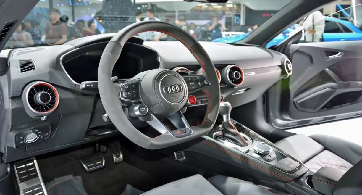 Audi tt rs interior 2017 auto express for Audi tt interieur