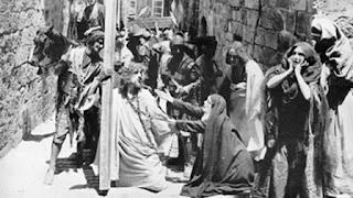 Escena película Del pesebre a la cruz