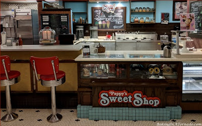 Pappy's Sweet Shop at Purdue University | picture is property of www.BakingInATornado.com | #graduation
