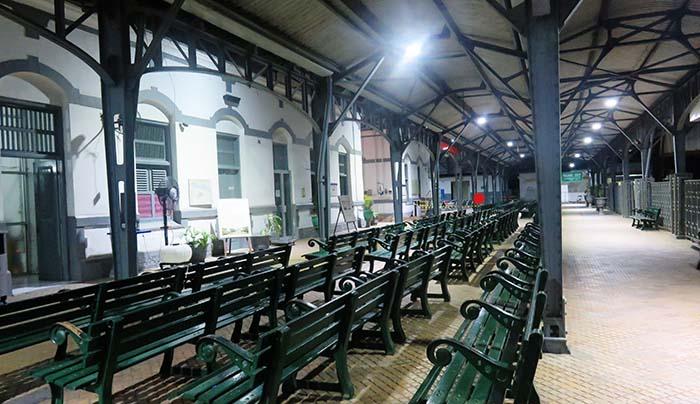 Stasiun Purwosari yang Lengang