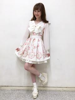 http://ameblo.jp/lizlisa-official/entry-12250279565.html