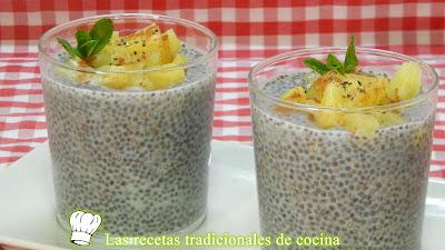 Postre fácil y delicioso de semillas de chia hidratadas