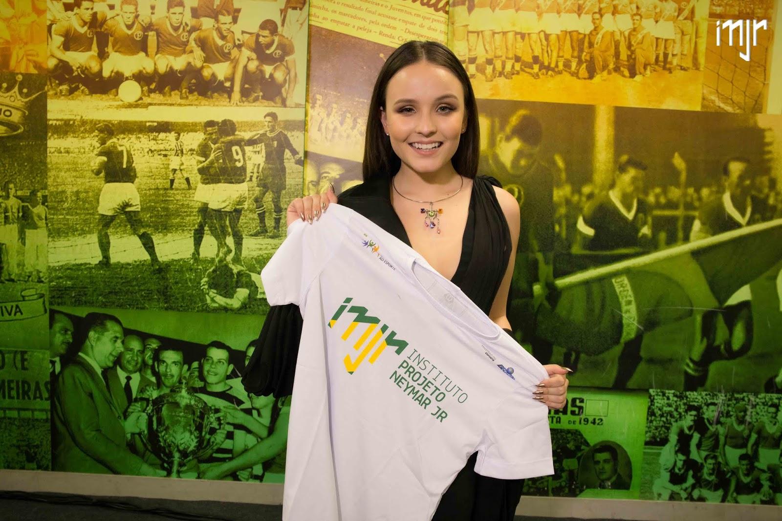 Leilão de Neymar tem jantar especial com Larissa Manoela e joia  personalizada Pedro Yossef e5102683b0