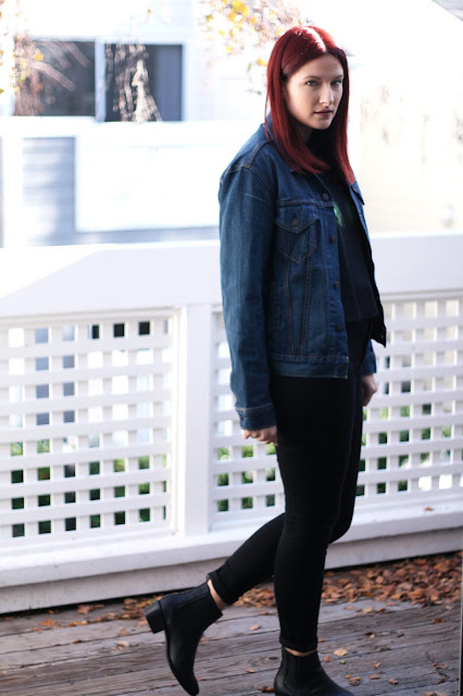Levis, denim jacket, all black outfit, fashion blogger