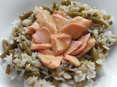 Pstrąg z sosem i ryżem