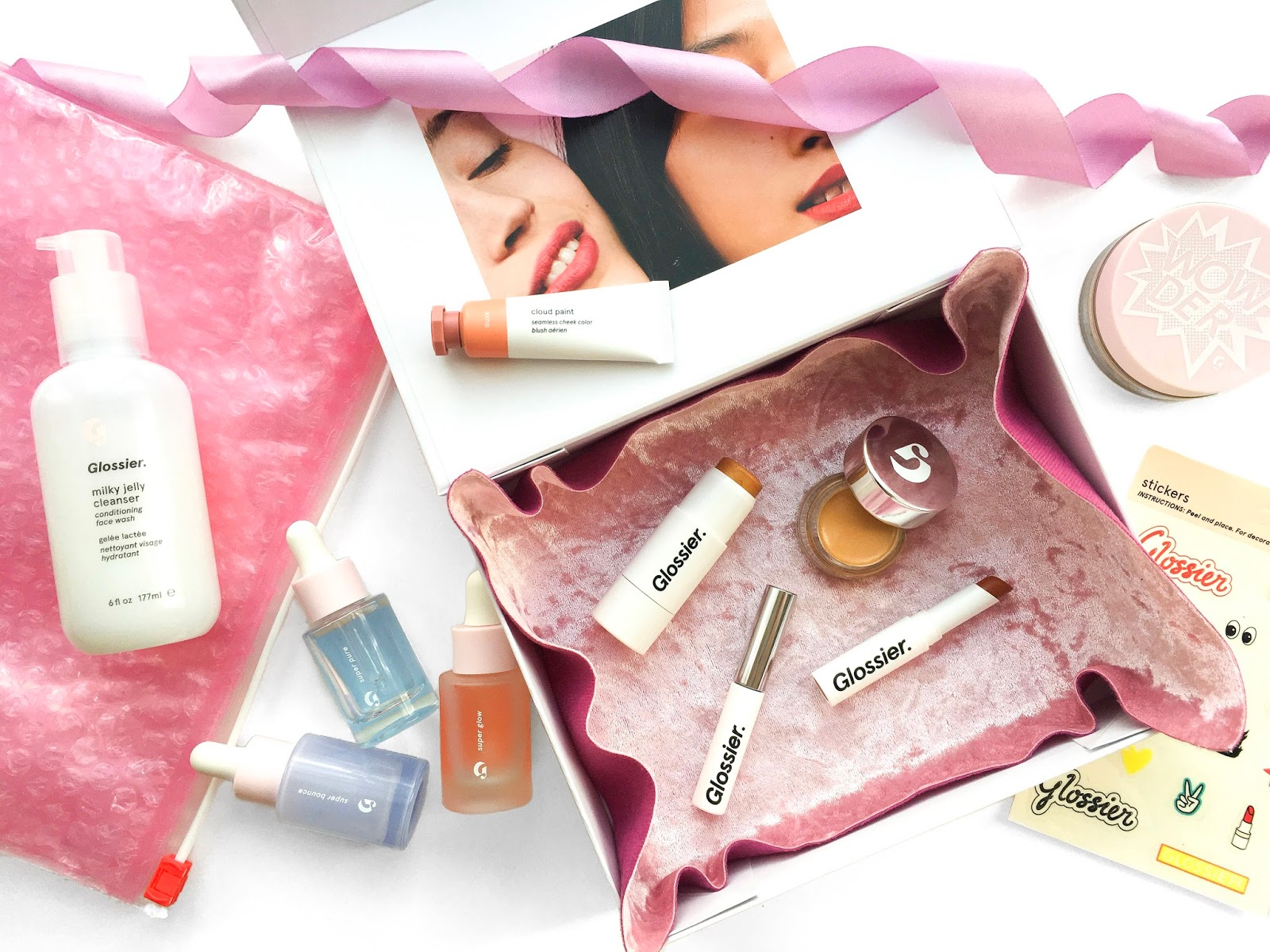 glossier uk review, glossier the super serums review, glossier skincare review, glossier makeup review uk, glossier super glow serum