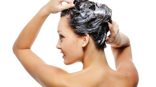 Cara Mengobati Rambut Berminyak
