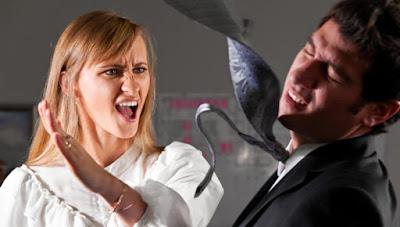 6. استخدام العنف الجسدي