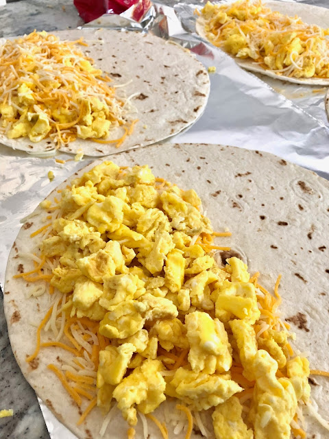 meal prep, breakfast, easy breakfast, quesadillas, guacamole, mexican, recipe, easy recipe, breakfast