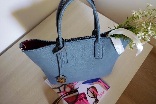 jasno niebieska torebka