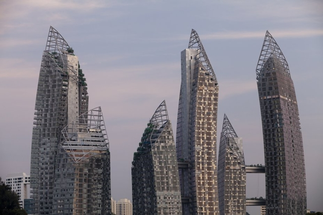 Close up of Reflections at Keppel Bay by Studio Daniel Libeskind