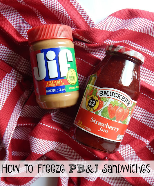 How to Freeze PB&J Sandwiches...just 15 minutes of prep work on Sunday and this ONE simple trick will have school lunches prepped for the week!  #BetterTogetherPBandJ #WeAreBetterTogether #CollectiveBias (sweetandsavoryfood.com)