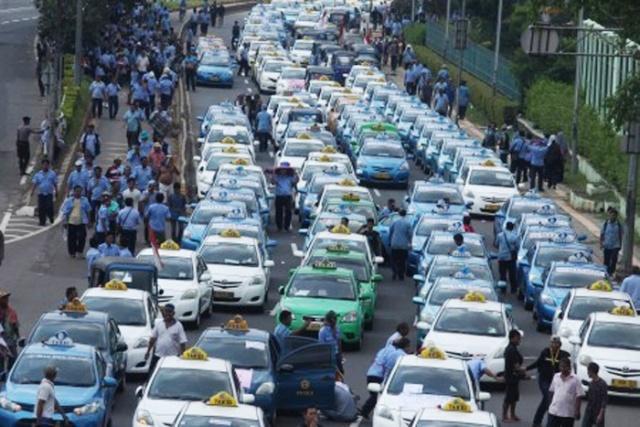 Jakarta News Grab Car In Jakarta