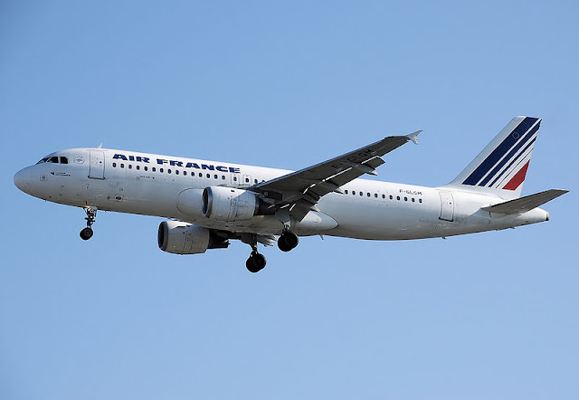 Gambar Pesawat Airbus A320 02
