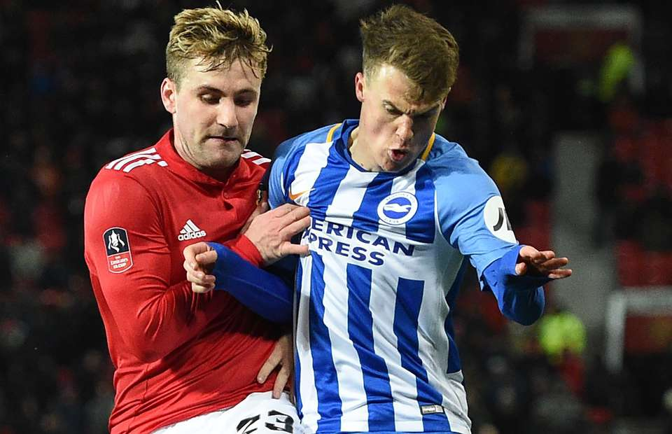 Man Utd fans are tweeting Luke Shaw after he reacts to Jose Mourinho's comments