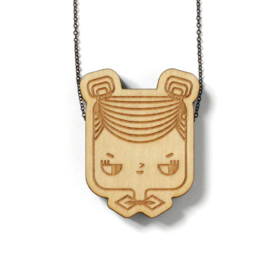 http://www.lesfollesmarquises.com/product/pendentif-bois-massif-judith