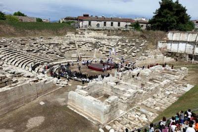 Σχεδιάζοντας την ανάπτυξη: Αρχαιολογικά έργα και Κοινωνία