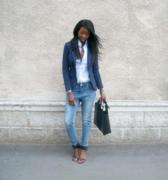 Boyfriend jeans & blazer chic Styles by Assitan. Blog mode