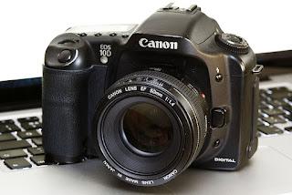 Canon EOS 10D Dengan Baterai Grip