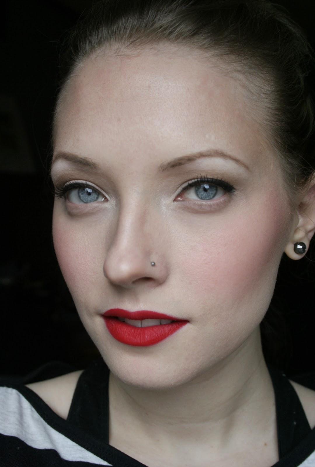 Pin-up Make-up Tutorial - YouTube