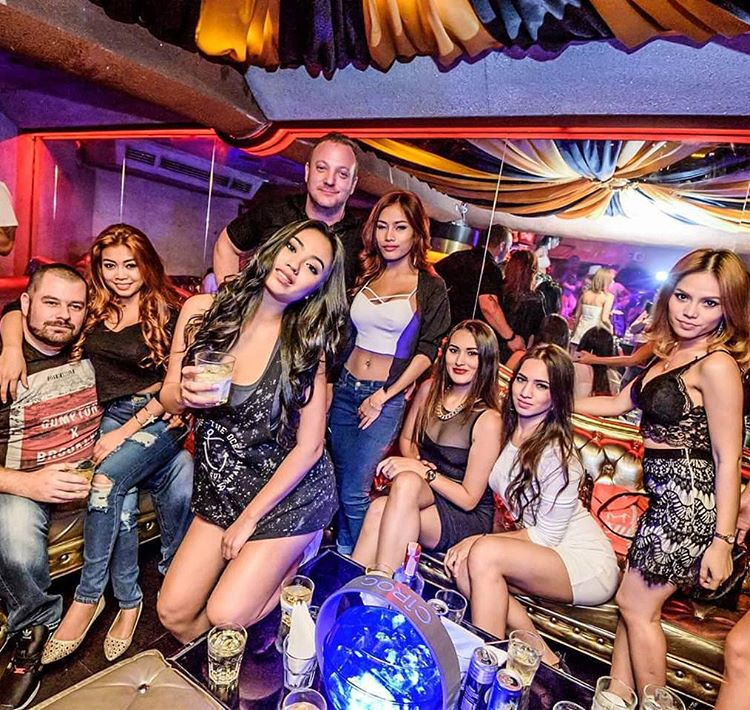 Bangkok Nightlife 30 Best Nightclubs Bars Gogos Jakarta100bars Nightlife Reviews Best Nightclubs Bars And Spas In Asia