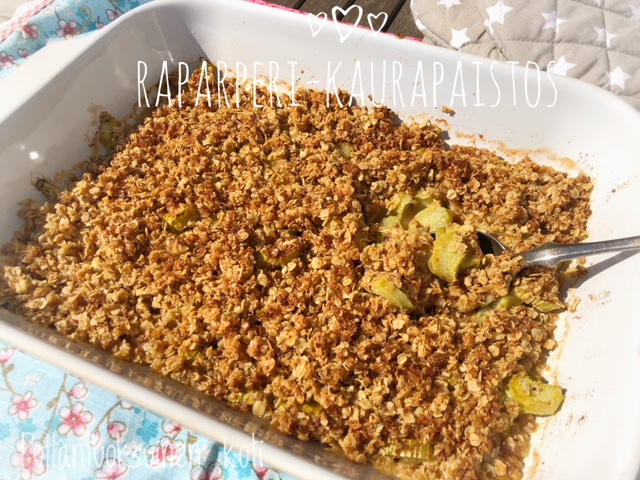 #leivonta #baking #rhubarb #rhubarbcrumble #rhubarbpie #oats #easybaking #delicious #jälkiruoka #dessert