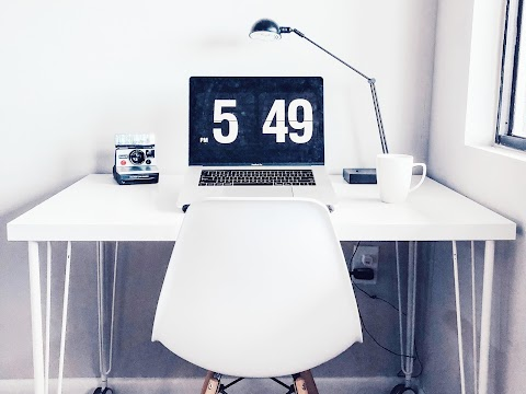 Meja Kerja Yang Cocok Untuk Beauty Blogger