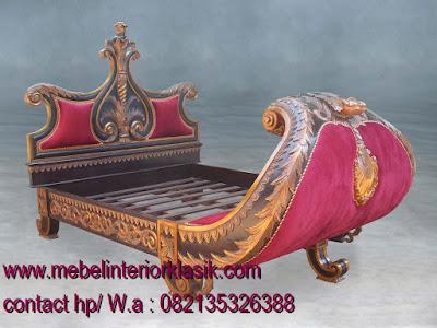 Tempat Tidur Klasik-furniture klasik mewah-mebel klasik jepara