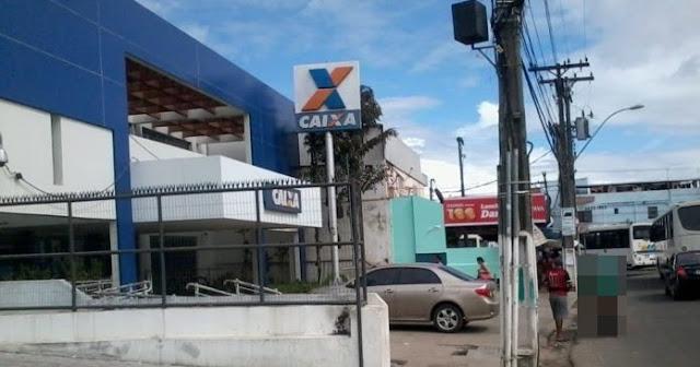 TÁ BRABO: Mulher é vítima de 'saidinha de banco' no Centro de Alagoinhas