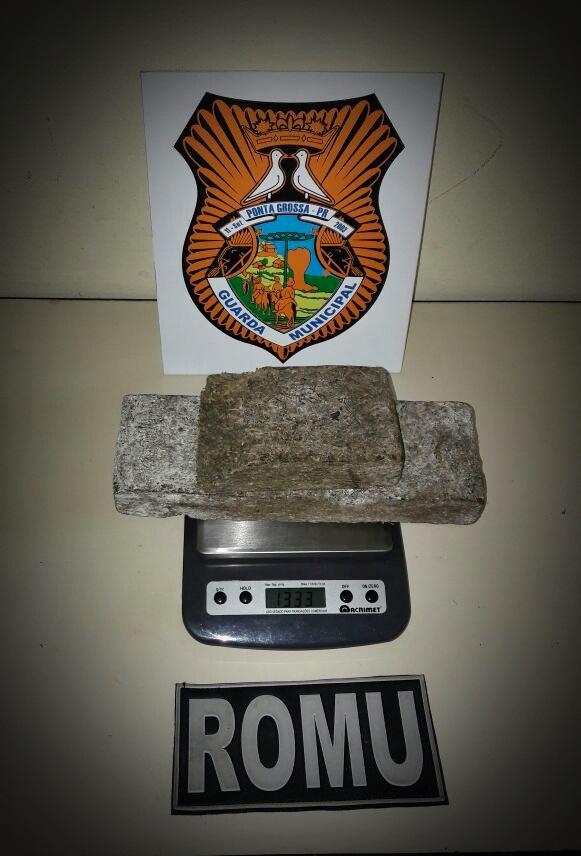 Rs policia mulher encontra 1 3 kg maconha do marido for 219 trenton terrace macon ga