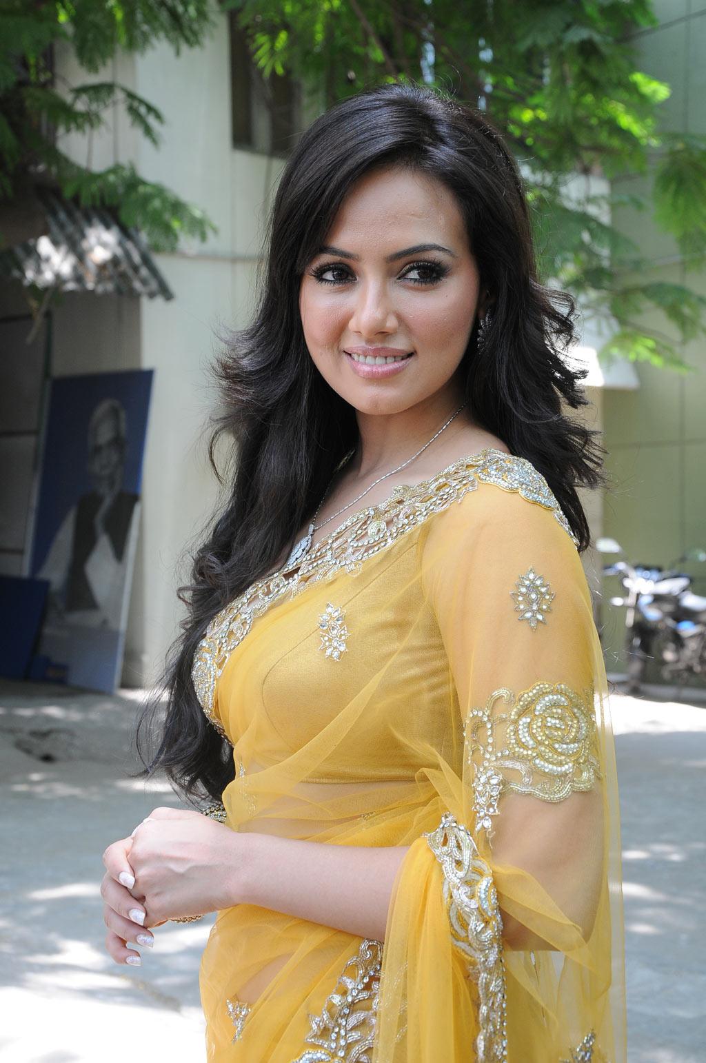 Skuespillerinde Sana Khan Seneste Transparante Saree Spicy Stills At-5756