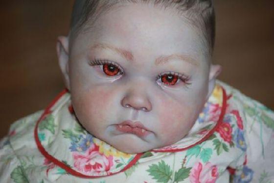 Foto Hantu Terbaru Bayi Menyeramkan Titisan Vampir  Asikgak