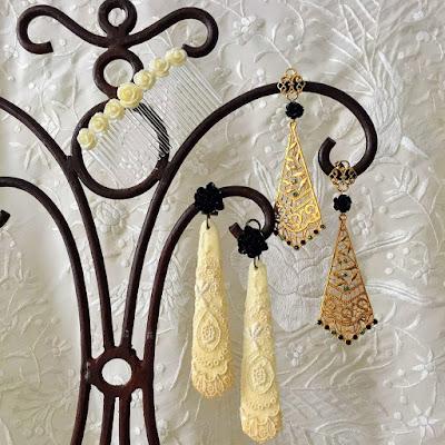 Pendientes de flamenca con peinecillo. Moda flamenca, hecho a mano.
