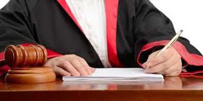"""Ambon, Malukupost.com - Majelis hakim Pengadilan Negeri Ambon menjatuhkan vonis empat bulan penjara terhadap Samsul Ramelan, terdakwa pembuat catatan palsu kematian istrinya agar dapat dinikahkan oleh Kantor Urusan Agama dengan istri kedua. """"Menyatakan terdakwa terbukti bersalah melanggar pasal 279 dan pasal 263 KUH Pidana tentang perzinahan sehingga menghukum terdakwa selama empat bulan penjara,"""" kata ketua majelis hakim PN setempat, Sofyan Parerungan di Ambon, Kamis (22/3)."""