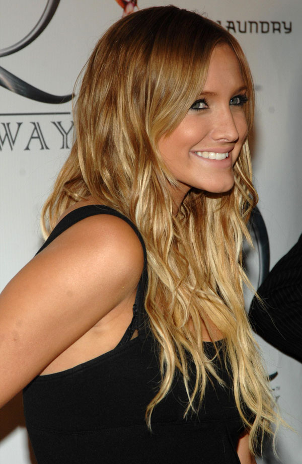 Ashlee Simpson Biography And Photo Gallery
