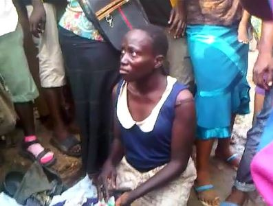 Child Kidnapper Stripped Naked And Mobbed After Being Caught In Lagos (Photos) - Newsbreak365