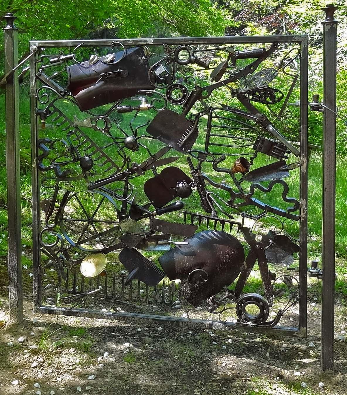 Wooden Tree Gate Design: Joe's Retirement Blog: Whimsical Gates, Heritage Museums